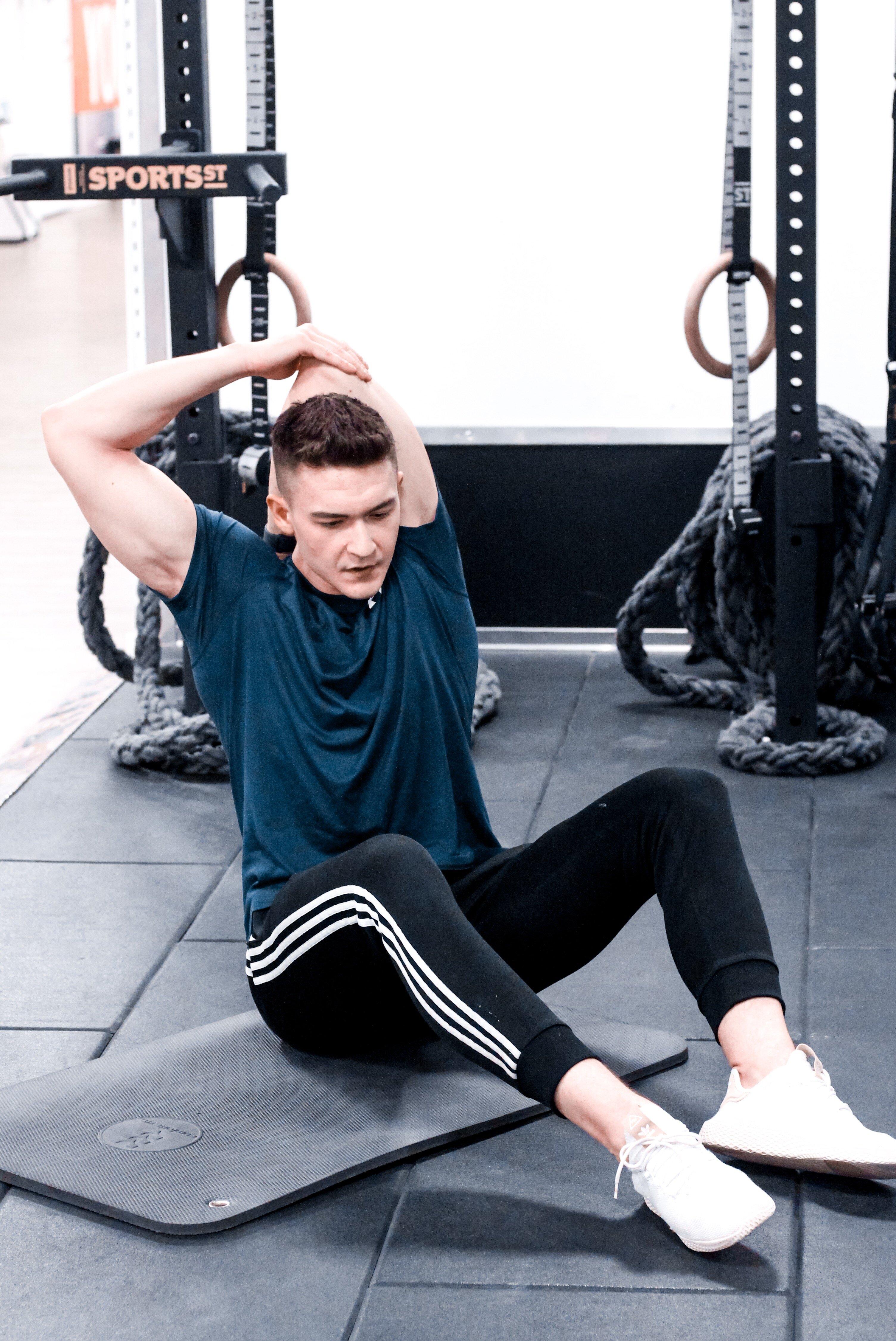 Stretching mięśnia trójgłowego ramienia