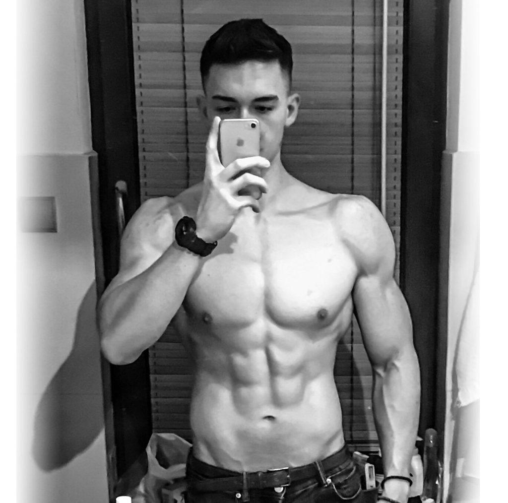 Efektywny trening brzucha + ćwiczenia na abs