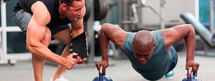 Kto to jest trener personalny? Kim powinien być? Czy warto z nim ćwiczyć?